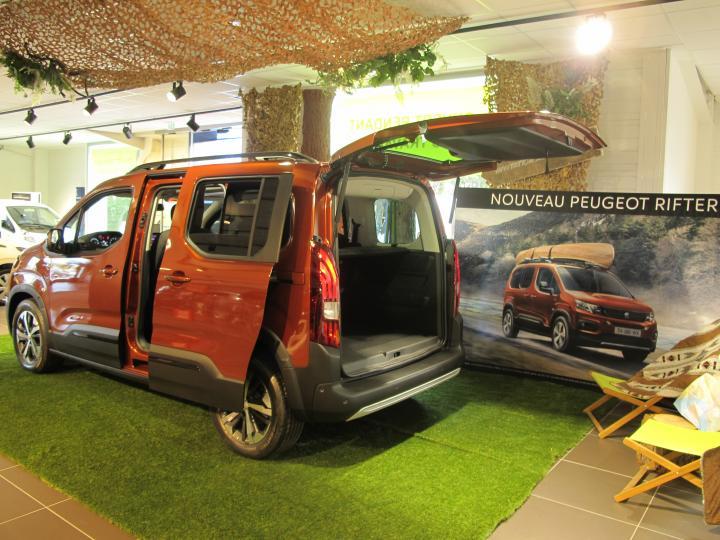 Lancement de véhicule, Peugeot Rifter prête pour l'aventure