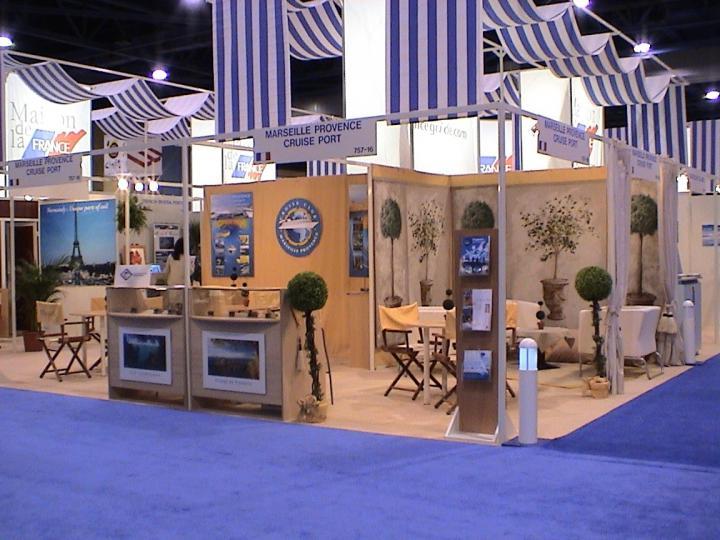 Salon professionnel, décoration de stand sur mesure