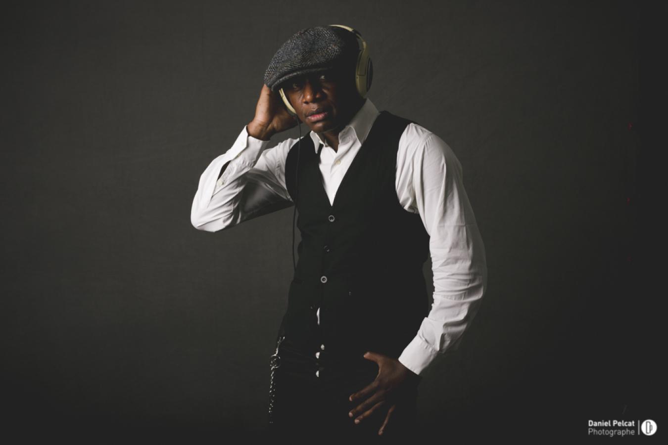 Serge, les artistes, les DJ, la technique événementielle