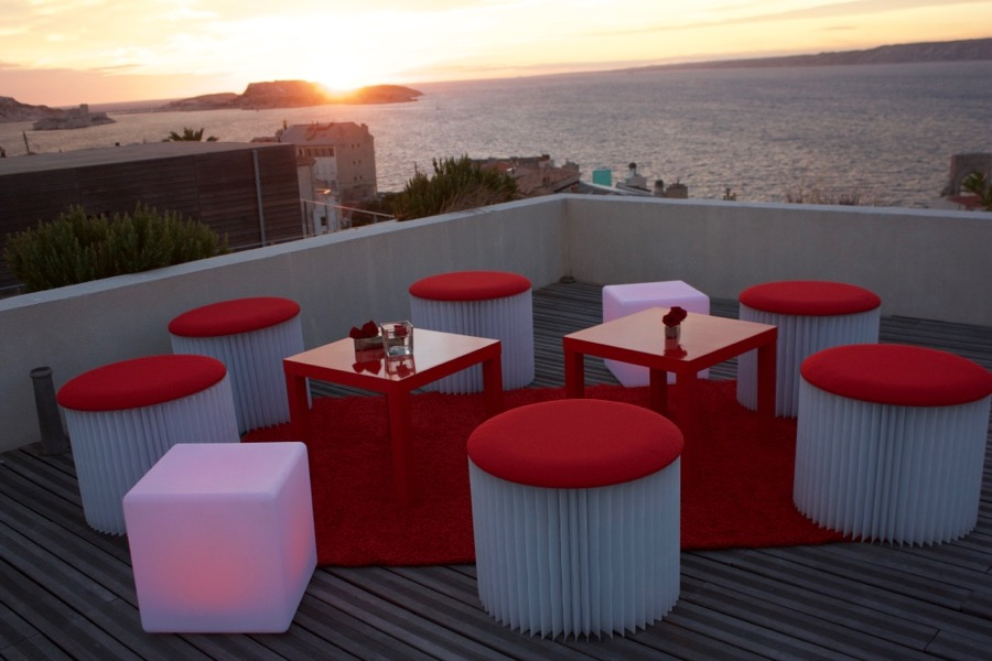 location mobilier lounge marseille 13 aix en provence toulon. Black Bedroom Furniture Sets. Home Design Ideas
